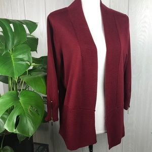 Carmen Marc Valvo red knit open front cardigan